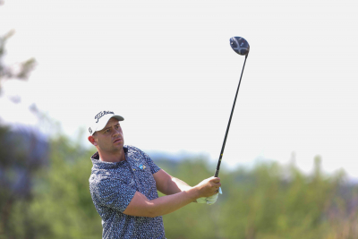 Van Tonder still leads at Sun City.