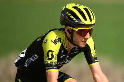 Simon Yates withdrawn from Giro d'Italia after Covid-19 positive test.