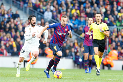 Barcelona and Juventus agree swap deal for Arthur Melo and Miralem Pjanic.