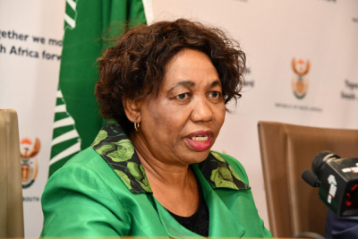 Motshekga to elaborate on schools readiness to phase in extra grades.