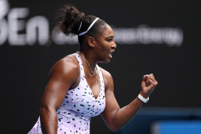 Serena Williams booked a place in the quarterfinals of the US Open.