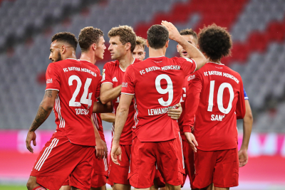 Bayern Munich stay top after thrilling 3-3 draw.