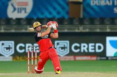 Warner hails his 'idol' AB De Villiers as the RCB 'legend' bags another Feat vs DC.