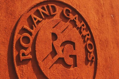 Tsitsipas reach his first French Open semi-final, Kvitova & Kenin through to semi-finals.