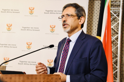 South Africa starts trading under new deals with UK.