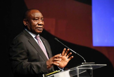 Ramaphosa self-quarantines after contact with Covid-19 positive person.