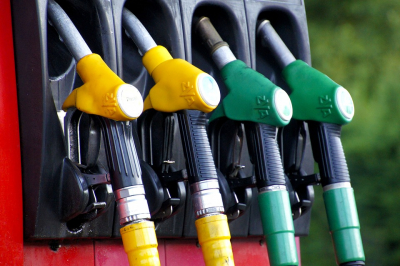 Little benefit for motorists in lockdown as record decrease in the fuel prices.
